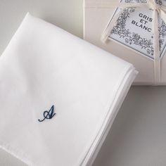 レディのためのハンカチ 藍 - 刺繍とハンカチ GRIS ET BLANC