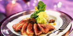Magrets de canard et papillotes de chou au foie gras