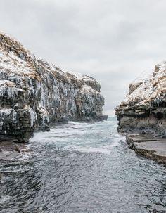 Gjógv gorge, Îles Féroé PHOTOGRAPH BY KEVIN FAINGNAERT