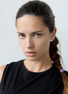 【ELLEgirl】アドリアナ・リマが「メイベリン ニューヨーク」の広告塔にカムバック!                                                                                                                                                     もっと見る