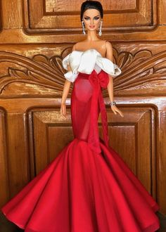 olled up as Miss Universe 2015 in her gown, during Miss Universe 2018 Catriona Gray's Homecoming Barbie Gowns, Barbie Clothes, Fashion Royalty Dolls, Fashion Dolls, Beautiful Dolls, Beautiful Dresses, Barbie Tumblr, Barbie Collection, Girl Dolls