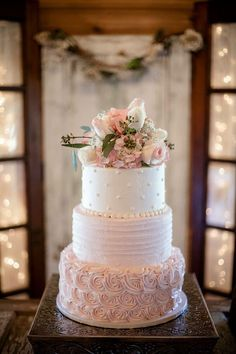 Pink Wedding Cakes Never ever under no situations position your wedding cake near the dance flooring due to the fact that the boogie bopper might cause a lotta heartache. A consistent table is a need to for the cutting of the cake. 3 Tier Wedding Cakes, Buttercream Wedding Cake, Wedding Cake Rustic, Beautiful Wedding Cakes, Wedding Cake Designs, Beautiful Cakes, Wedding Cake Vintage, Blush Pink Wedding Cake, Wedding Cakes With Icing