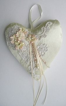 Pretty idea for pincushion - love the lace and beads! Lace Heart, Heart Art, Fabric Hearts, Fabric Flowers, Valentine Crafts, Valentines, Shabby Chic Hearts, Patchwork Heart, I Love Heart
