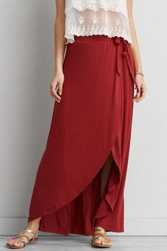 Such a beautiful wrap skirt for summer.