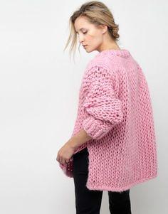 Одноклассники Knitwear Fashion, Knit Fashion, Mode Crochet, Knit Crochet, Easy Style, Handgestrickte Pullover, Big Knits, Mohair Sweater, Loose Sweater