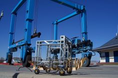 WPT Group Srl makes maintenance and installations of special equipment  TRAVEL LIFT