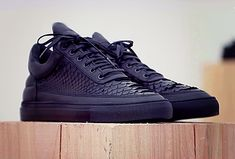 Bridging the gap between streetwear and high-end fashion, Dutch footwear label Filling Pieces create contemporary sneakers that blend traditional craftsmanship with innovative, modern design. Sneakers Mode, Best Sneakers, Custom Sneakers, Sneakers Fashion, All Black Sneakers, Fashion Shoes, Mens Fashion, Lit Shoes, Men's Shoes