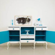 pintura acrílica al agua, concretamente, de color blanco Antique satinado de…