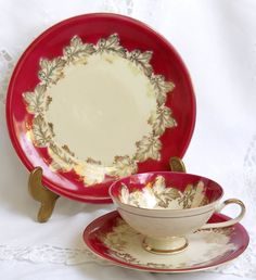 A lovely trio set of cup, saucer and plate decorated with burgundy and gold on off white porcelain. It was made by Bareuther, Bavaria, Germany between 1937 and 1945. Very good condition, no chips or cracks. Lovely set!  832  Please do not put it in the dishwasher!  For more vintage teacups visit our shop section: https://www.etsy.com/shop/minoucbrocante?section_id=12193676&ref=shopsection_leftnav_2  For more vintage items please visit our shop: http://www.minoucbrocante.etsy.com  For…