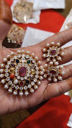Silver Wedding Jewelry, Bridal Jewelry, Beaded Jewelry, Jewelery, Silver Jewelry, Gold Earrings Designs, Gold Jewellery Design, Silver Earrings, Pendant Set