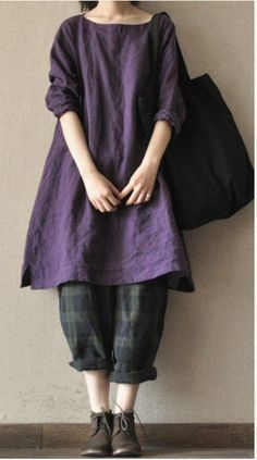 Linen tunic and trousers. Perfect salwar kameez silhouette - this time in linen. Mori Girl Fashion, Fashion Mode, Womens Fashion, Beautiful Outfits, Cool Outfits, Moda Casual, Linen Dresses, Mode Inspiration, Sewing Clothes