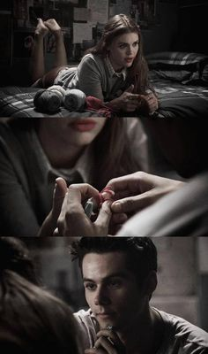 The way Stiles looks at Lydia!>>>>>>>>>>>>>>