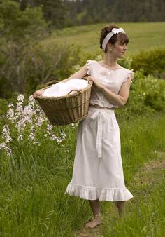 MaryJanesFarm Farmgirl Connection - New Farmgirl Fashion Topic Country Life, Country Girls, Country Outfits, Country Living, Country Quotes, Country Music, Nice Dresses, Summer Dresses, Cool Style