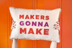 Makers Gonna Make applique pillow— tutorial includes a template from abeautifulmess.com