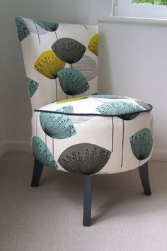 Before and After: A Cooler Than Thou Side Chair Makeover 2019 LOVE LOVE LOVE this fabric. The post Before and After: A Cooler Than Thou Side Chair Makeover 2019 appeared first on Furniture ideas. Tire Furniture, Reupholster Furniture, Funky Furniture, Refurbished Furniture, Upholstered Furniture, Repurposed Furniture, Furniture Design, Furniture Vanity, Furniture Refinishing