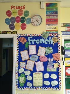 French board year 3 display boards for school, school displays, classroom displays, Display Boards For School, School Displays, Classroom Displays, French Classroom Decor, Classroom Decor Themes, Classroom Ideas, French Teaching Resources, Teaching French, French Teacher