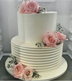 Image may contain: food Beautiful Wedding Cakes, Beautiful Cakes, Amazing Cakes, Bridal Shower Cakes, Easy Smoothie Recipes, Birthday Cake Decorating, Cake Trends, Pumpkin Spice Cupcakes, Coconut Recipes