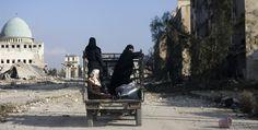 """""""Lo perdimos todo"""", sirios regresan a la devastada Aleppo"""