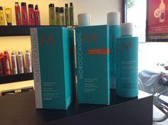 Moroccanoil zijdezacht, gezond, glanzend haar.  De treatment van moroccanoil is er in twee varianten. De light treatment voor fijn lichtergekleurd en geblondeerd haar, en de treatment voor normaal en zwaarder beschadigd haar.  Wij geven u graag advies welke treatment de beste keus is voor uw haar!  De Kapper Van Nu