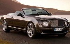 Photo Azure T Bentley price. Specification and photo Bentley Azure T. Auto models Photos, and Specs Bentley Arnage, Bentley Wallpaper, Hd Wallpaper, Prom Car, Bentley Convertible, Diesel, Bentley Continental Gt Speed, Bentley Rolls Royce, Dream Cars