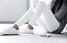 """""""Las blancas tienen infinidad de posibilidades /White  have endless possibilities @dayinmydreams #adidas"""""""