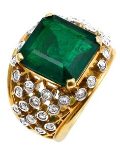 Superb 6.2 Cartie Colombian Emerald and Diamond Ring
