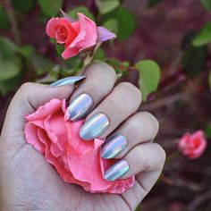 🌷 #PopOnNails in STORM = perfectly iridescent 🌷 Pic: @aspa_shidaqin.