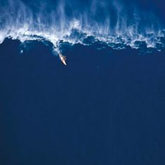 b1b628dfc4 Big Surf in Portugal right now because of storm. A new record over 100 ft
