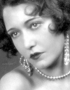 899 best silent film era images silent film movie stars antique Movie Theater dorothy sebastian 1920s old hollywood glamour vintage hollywood silent film flapper girls