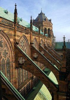 Arbotantes de la catedral de Strasbourg, France