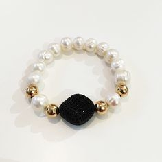 Bracelets By Vila Veloni White Pearls With Black Zirconia