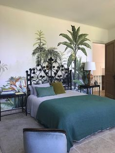 """Behang """"Bali Bawan"""" kleur Ananbô - Apocalypse Now And Then Home Bedroom, Master Bedroom, Bedroom Decor, Wall Decor, Forest Mural, Apartment Goals, Cool Wallpaper, Home Projects, Wall Murals"""
