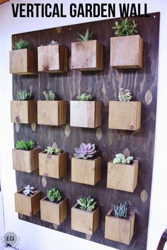 Urban Garden Make your own DIY Garden Wall perfect for succulents or other plants. This simple tutorial can be used for a BIG statement wall or a small accent piece. Succulent Planter Diy, Diy Planters, Cacti And Succulents, Garden Planters, Balcony Garden, Indoor Succulent Garden, Wall Garden Indoor, Planter Ideas, Concrete Planters