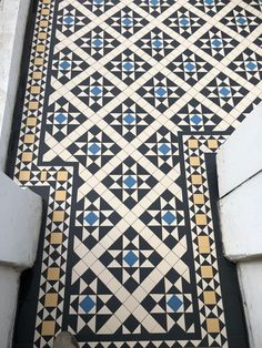 Victorian tiles are an elegant and original feature that will add value to your property. Victorian mosaic tiles supplay and installation Victorian Hallway Tiles, Victorian Mosaic Tile, Tiled Hallway, Hallway Flooring, Small Hallway Decorating, Hall Tiles, Pattern Concrete, Small Hallways, Style Tile