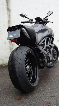 DUCATI DIAVEL FULL CARBON