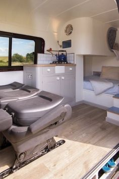 Interior shot of the conversion in a LWB crafter. vanlifeideas See more over at photographers insta Minivan Camper Conversion, Bus Conversion, Van Dwelling, Sprinter Camper, Vw Crafter, Red Vans, Van Living, Space Interiors, Volkswagen Bus