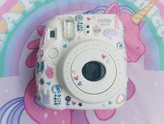 Camera Polaroid - Shooting Great Photos Is Just A Few Tips Away Polaroid Instax Mini, Fujifilm Instax Mini 8, Fuji Instax, Polaroid Cameras, Cute Camera, Camera Art, Instax Mini Ideas, Camara Fujifilm, Camera Painting