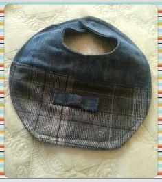 Babador  baby chique jeans reciclado.
