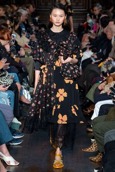 Simone Rocha Spring 2018 Ready-to-Wear Fashion Show Collection