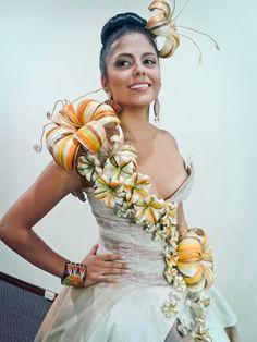 """DEPARTAMENTO DE NARIÑO, COLOMBIA (V., 20 DIC 2013)       NUEVA REINA DEL CARNAVAL DE SAN JUAN DE PASTO, A REALIZARSE DEL 2 AL 7 DE ENERO DE 2014. """"El carnaval de negros y blancos tiene nueva reina"""". Daniela Benavides Bacca - Reina Carnaval 2014."""