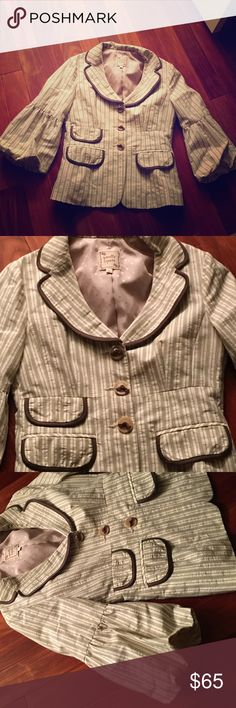 Nanette Lepore 3/4 bell sleeve blazer jacket -SZ 6 New never worn super cute 3/4 bell sleeved green & cream pin striped blazer / jacket. SZ 6 fully lined - beautiful as can be Nanette Lepore Jackets & Coats Blazers