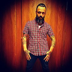 I had a photo shoot in Germany and decided to wear color. Hahaha I actually like this picture of me that we got so I wanted to share it. Green and red my new favorite colors. Oh Germany what are you doing to me ? #justinfurstenfeld #blueoctober #beardlife #photoshoot #socheesy.