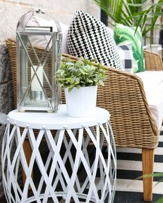 Ultimate Deck And Patio Area Retreat For Easy Living – Outdoor Patio Decor Budget Patio, Patio Diy, Backyard Patio, Backyard Ideas, Diy Porch, Backyard Projects, Patio Side Table, Modern Side Table, Back Patio