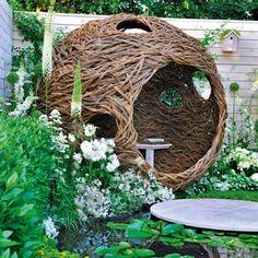 Weidenkugel_als_Gartenhaus. Garden Gates, Garden Art, Garden Design, Home And Garden, Outdoor Rooms, Outdoor Decor, Build Your Own House, Natural Playground, Summer Diy