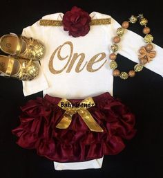 This burgundy & gold outfit is perfect for fall & perfect for #Redskins season!
