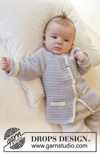 Heartthrob / DROPS Baby - Crochet baby jacket with round yoke and pocket edges in DROPS Alpaca. Crochet Baby Jacket, Crochet Baby Clothes, Newborn Crochet, Baby Kids Clothes, Baby Knitting Patterns, Baby Patterns, Crochet Patterns, Cardigan Bebe, Baby Cardigan
