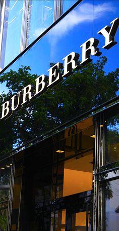 Burberry ~ Marie  Mimran