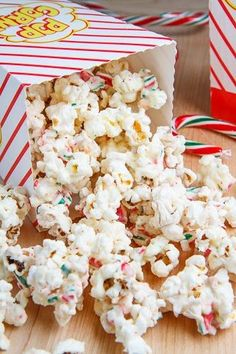 Movie Snack Ideas--Peppermint Candy Cane Popcorn | FREE MOVIES-Holiday Themed Movie Board