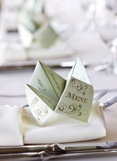 16 Creative Menu Cards and Displays: fortune teller or cootie catcher