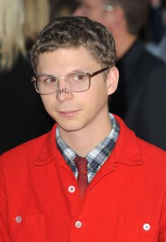 17 Photos That Define Michael Cera - Or try new fashions. Micheal Cera, Michael Angarano, George Michael, Get Abs Fast, Really Hot Guys, Nicholas Hoult, Mikey, Pop Culture References, Scott Pilgrim